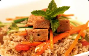 receta vegana de quinoa con seitán y menta